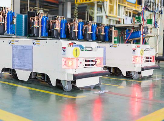 芬尼克兹在海外市场,芬尼科技产品远销北美、欧洲、澳洲及南非等50多个国家和地区,其中泳池在全球泳池热泵市场占据重要地位。